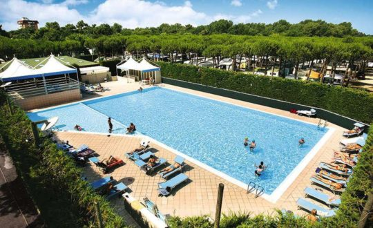 Camping Holiday Village Florenz - Adriatico.nl